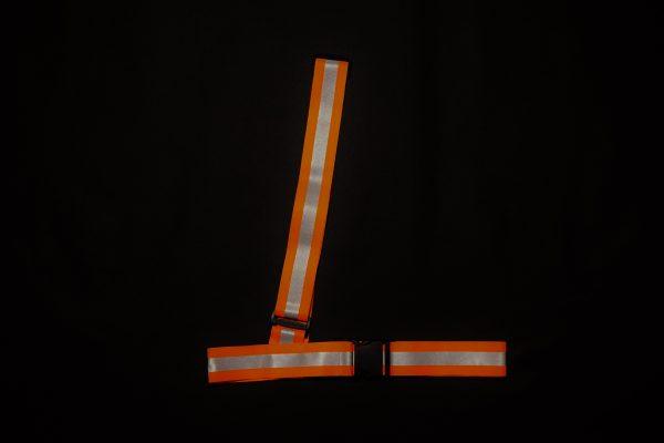 Pas odblaskowy ukośny w kolorze pomarańczowym