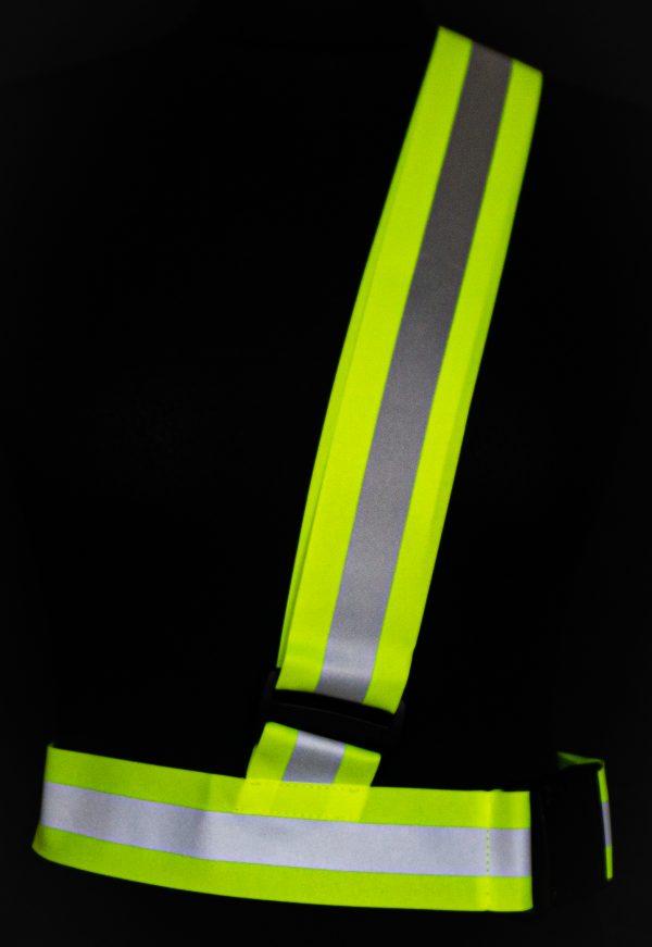 Żółty pas odblaskowy na ramię dla sportowca
